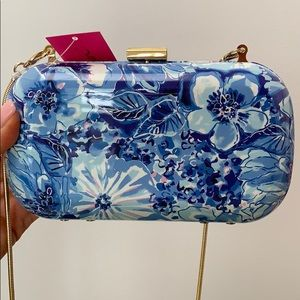 NWT Lilly Pulitzer clutch in Catch and Keep